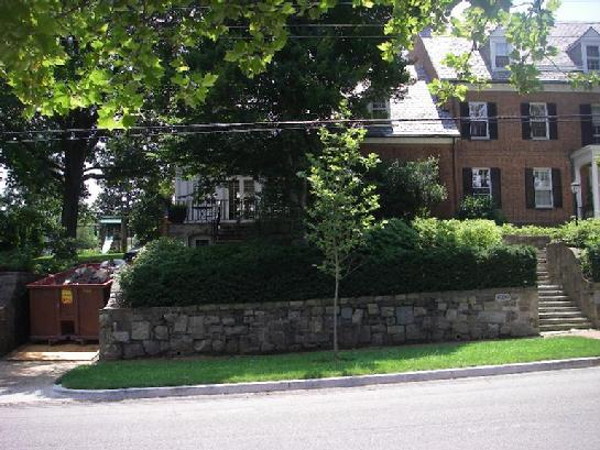 Former Fannie Mae CEO Daniel Mudd's Washington, D.C., house, with dumpster, before the July 4, 2009, holiday weekend. (THE TOUGH TIMES copyright photo)